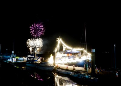 MMD Boat Shining Under the Fireworks